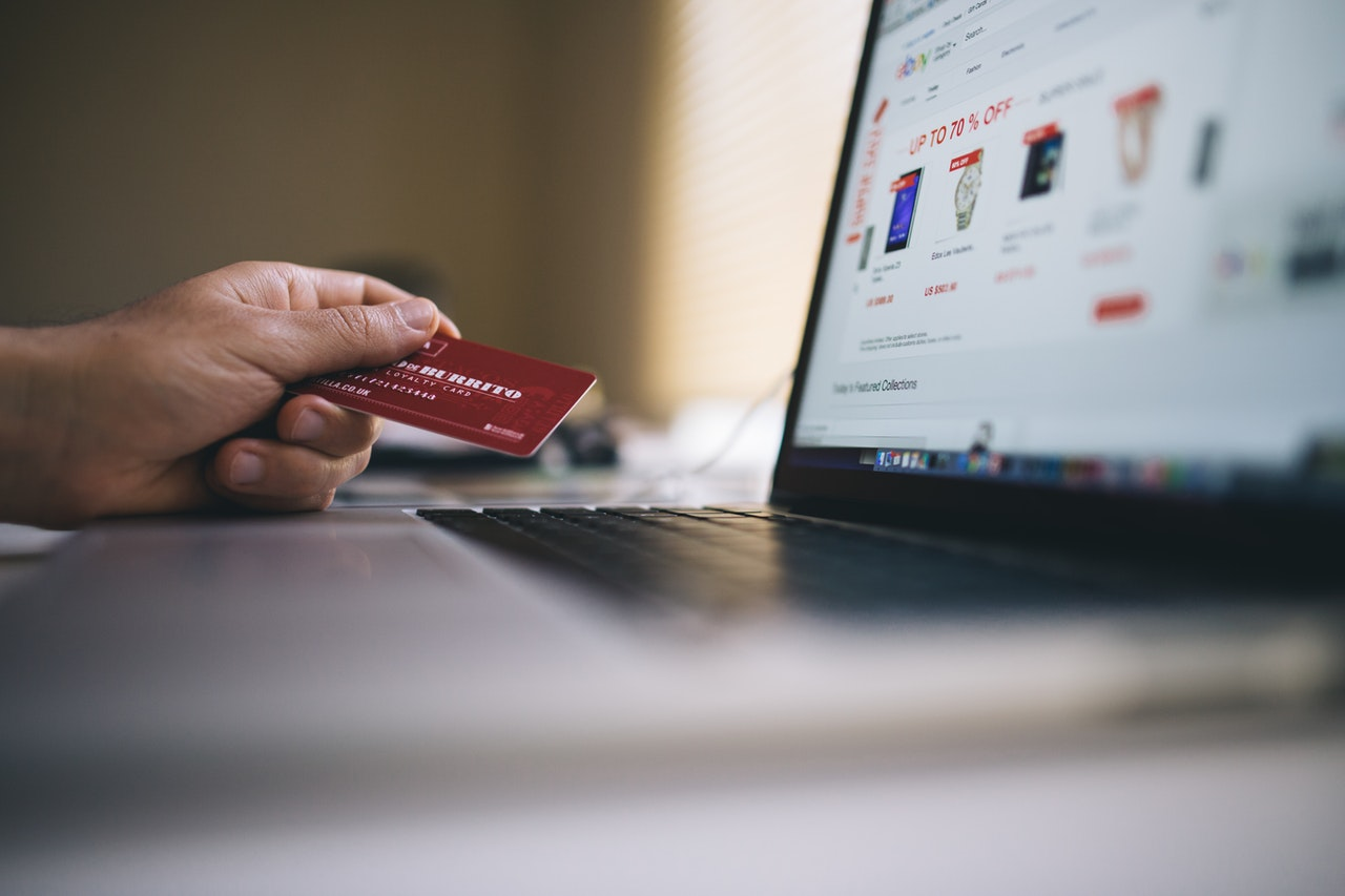 The Key Roles of Ecommerce in Selling and Overall Business